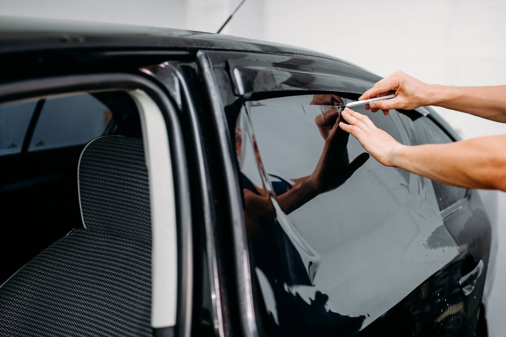 What You Need to Know About Same-Day Window Tinting Instant Windscreens