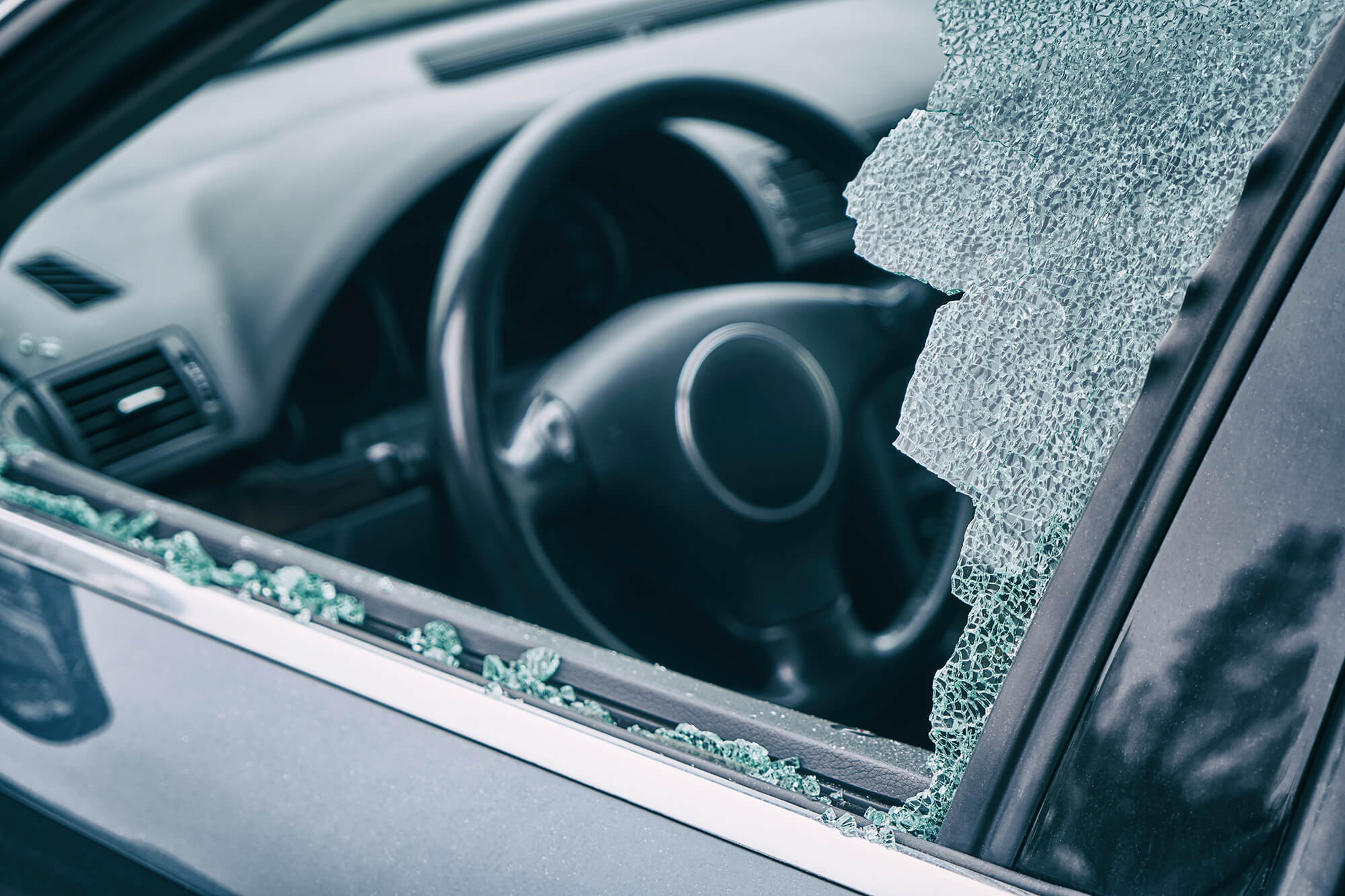 What to do if Your Car is Broken Into | Instant Windscreens