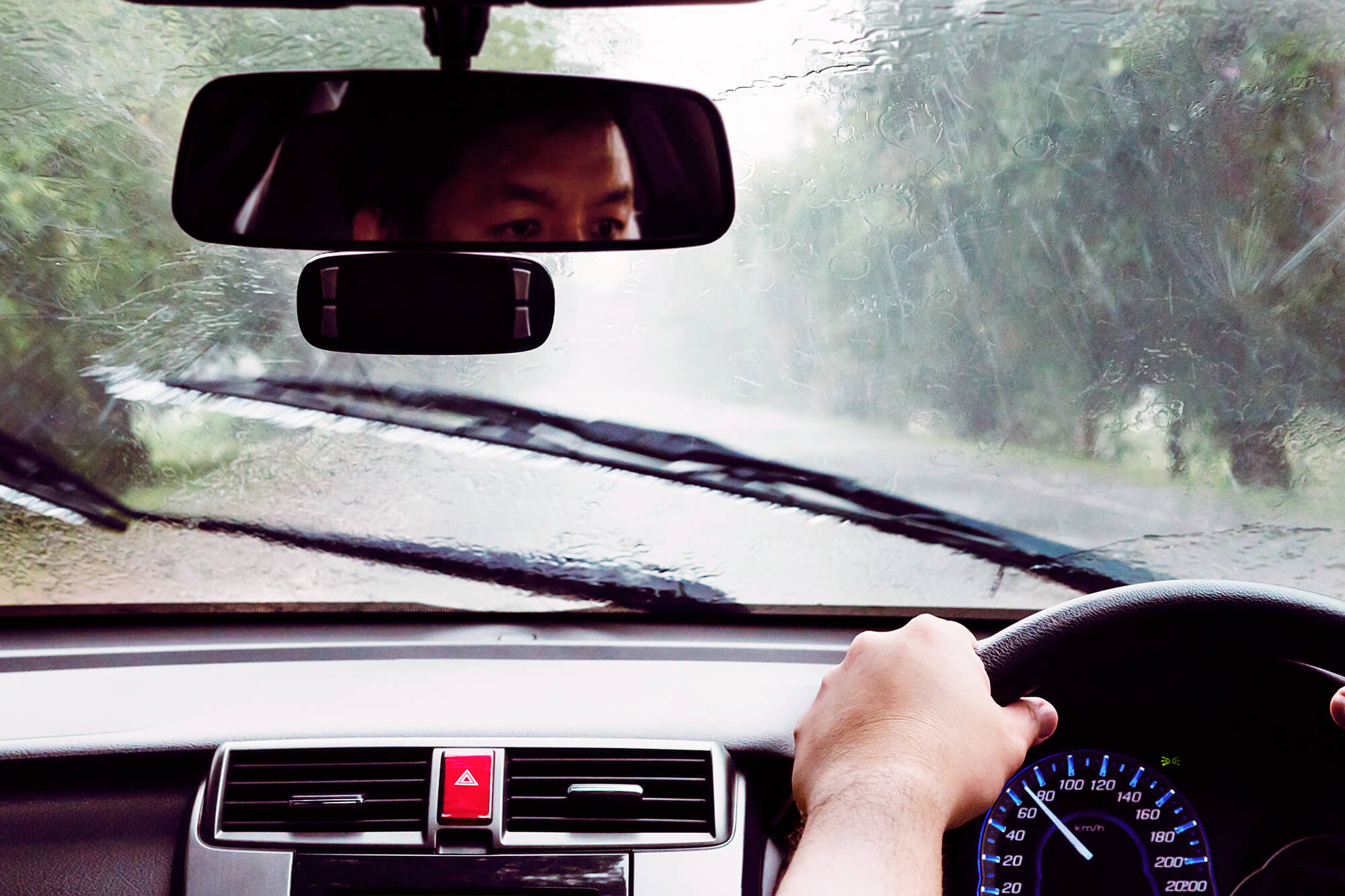 5 Ways Your Vehicles Windscreen Keeps You Safe | Instant Windscreens
