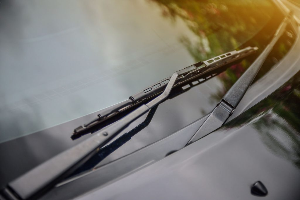 Old and Worn Wipers and Your Windscreen | Instant Windscreens