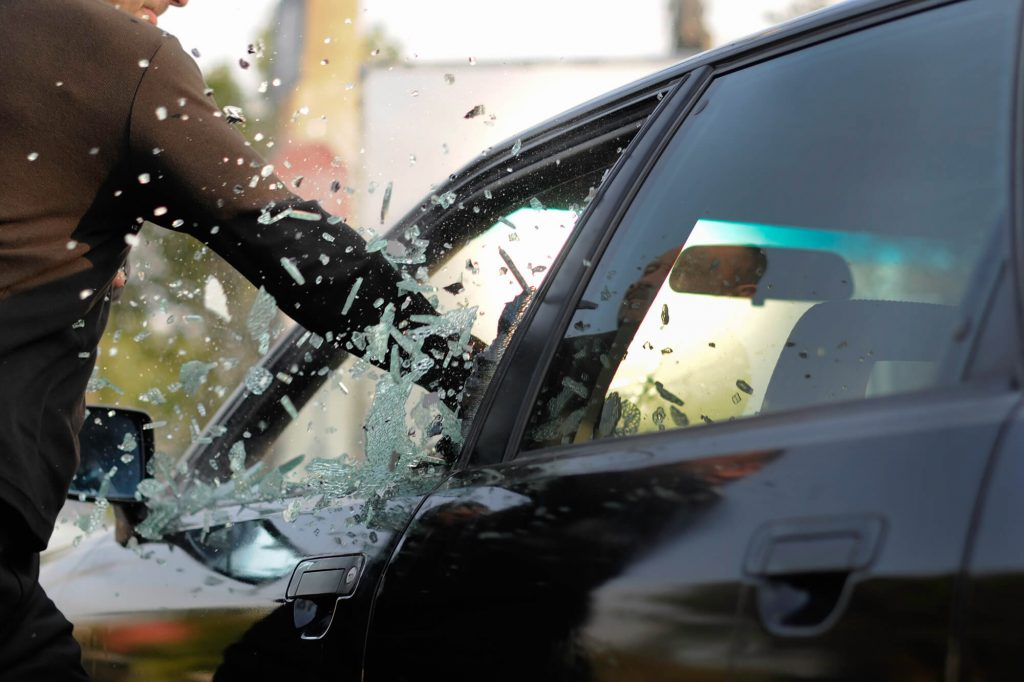 6 Steps to Follow if Your Car Is Broken Into - Instant Windscreens